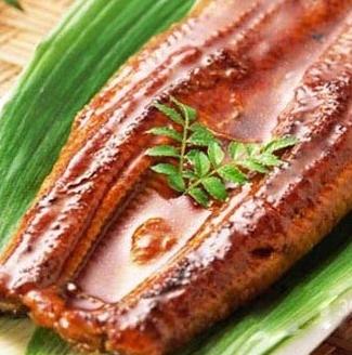助产美食蒸鳗鱼 让准妈妈们轻松顺产